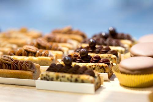 Financiers moelleux et fondants au chocolat et à la noix de pécan